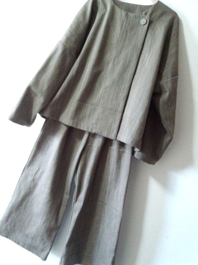 L〜LLサイズ モスグリーンのジャケットとワイドパンツのスーツ