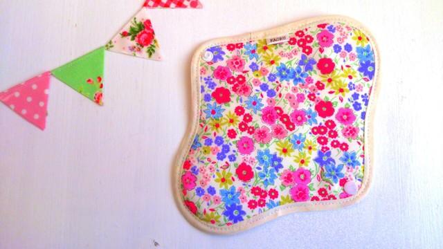 可愛い布ナプキン『オータムフラワー』昼用Mサイズ