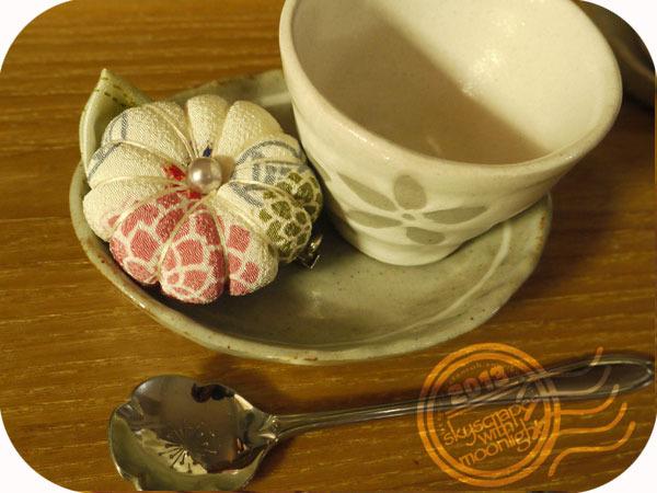 和菓子風お花のブローチ/白(再販)
