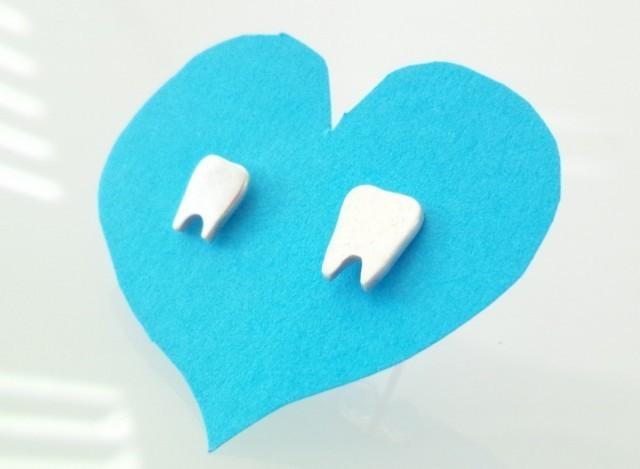 歯のシルバーピアス/ Have a good teeth!