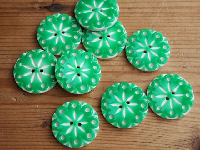 【再販】フランス プラスチック 花柄ボタン 緑 2個セット