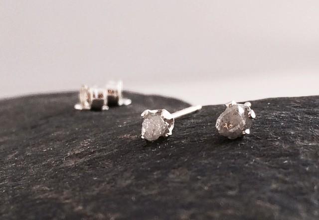 ダイアモンド原石◆SVピアス