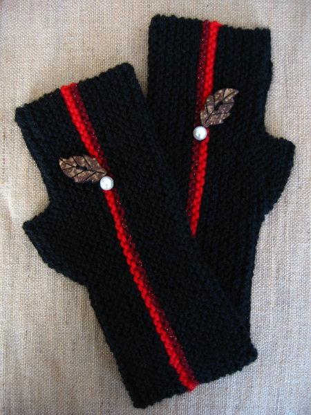 シンプル 黒 ハンドウォーマー 赤糸