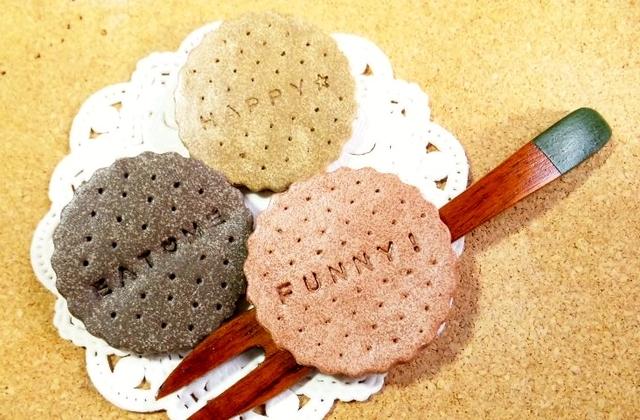 【オーダーメイド】クッキー・ビスケットのブローチ