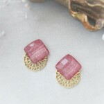*3562*Pearl red square earring/pierce