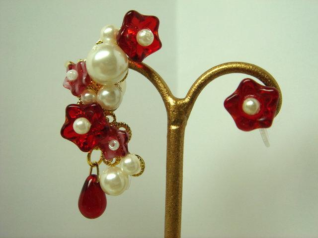 紅い小花とパールのイヤーカフセット