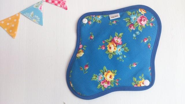 可愛い布ナプキン『bluegarden』昼用Mサイズ