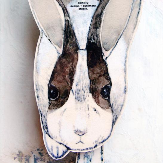 白黒ウサギの壁掛け振り子時計