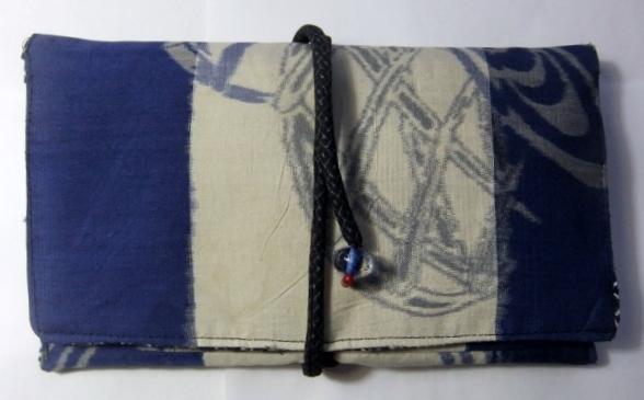 着物リメイク 銘仙の着物で作った和風財布 822