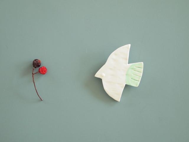 11月:しろい鳥のブローチ(ミント)