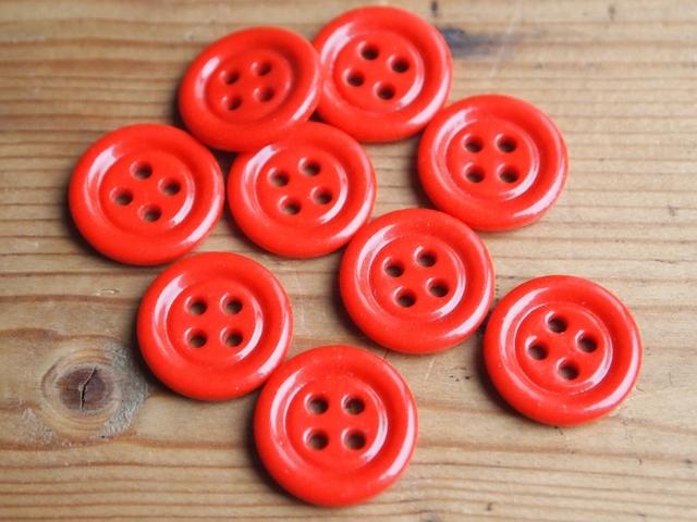 フランス 四つ穴のガラスボタン 赤 2個セット