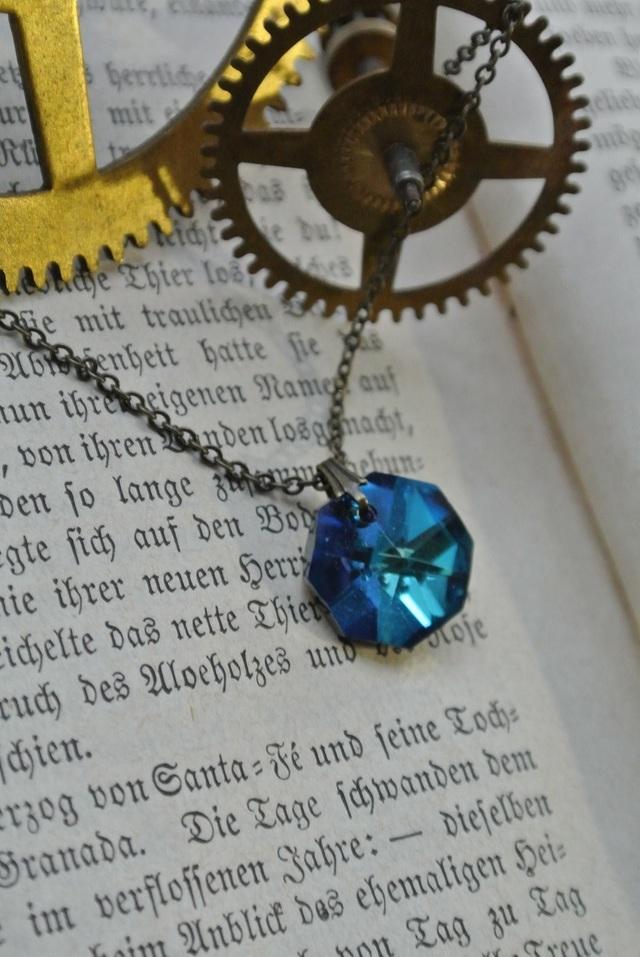青紫 チェコクリスタル ネックレス