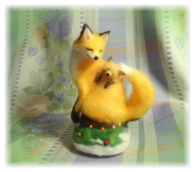 狐の親子の針山