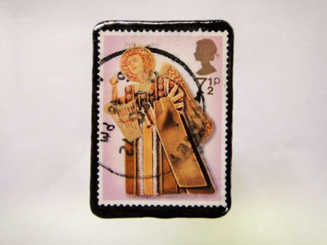 イギリス クリスマス切手ブローチ381