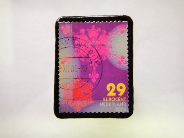 オランダ クリスマス切手ブローチ392