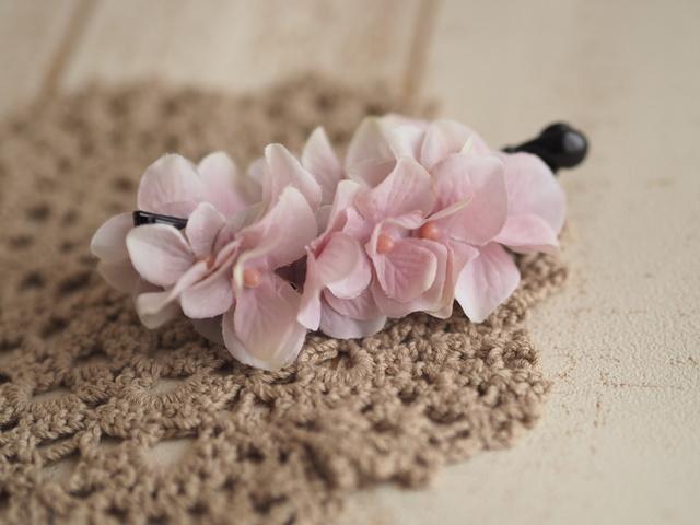 シャビーピンクなお花のバナナクリップ