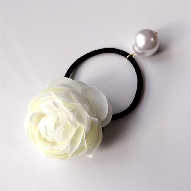 hair elastic?Ranunculus?white