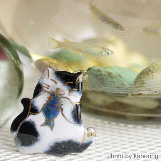 七宝焼ブローチ お魚大好き!黒白猫
