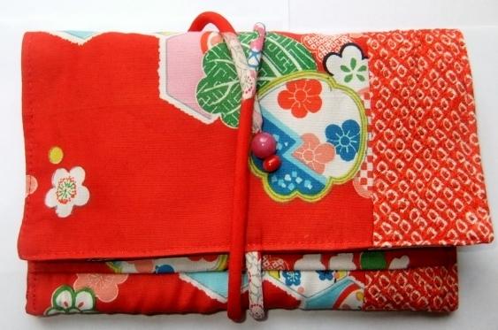 着物リメイク 女の子の着物で作った和風財布 852