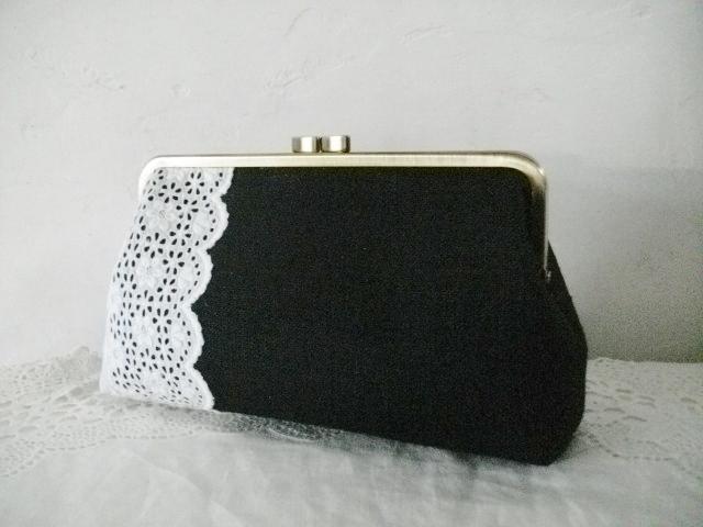 アンティーク手刺繍レース&黒リネンがま口L