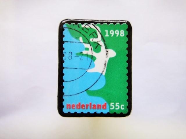 オランダ クリスマス切手ブローチ402