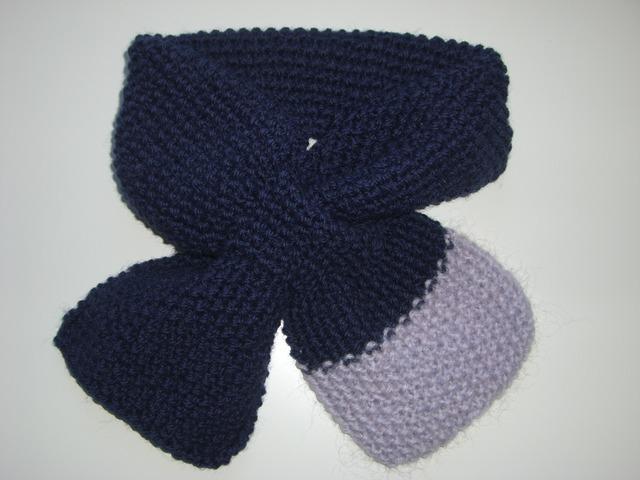 ポコポコかのこ編みプチマフラー(紺×うす紫)