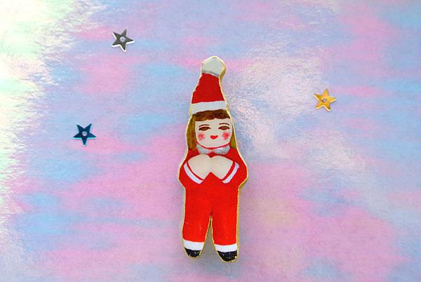 サンタに扮したひとブローチ