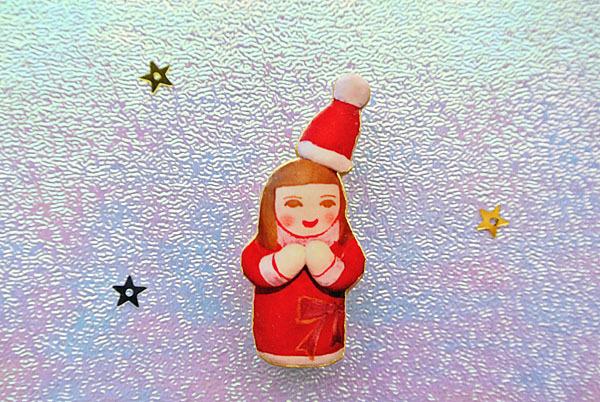 サンタの仮装のひとブローチ
