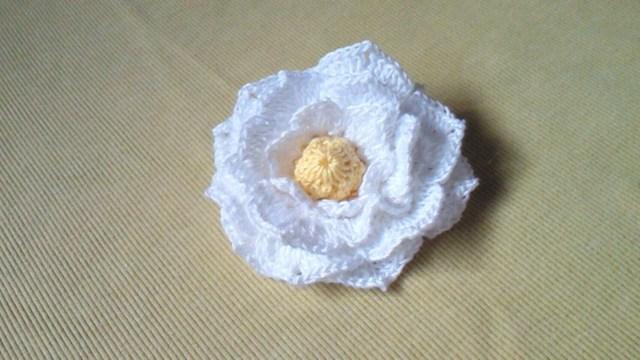 くちなしの花のコサージュ