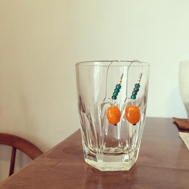 キレイなオレンジ色のピアス♪(pi-erp-052)