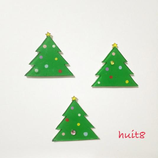 クリスマスツリーのブローチ【プラバン】