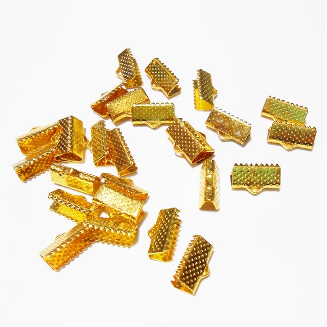 14個入レース留め金具ヒモ留めゴールドトーン幅13mm