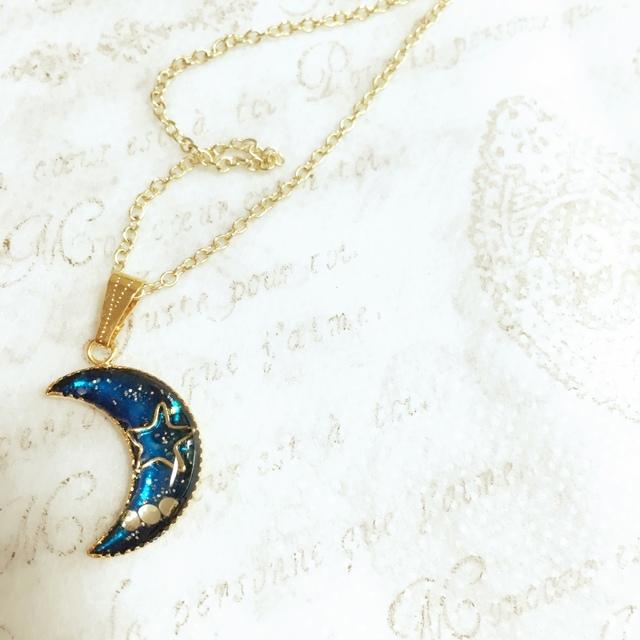 月の星空ネックレス