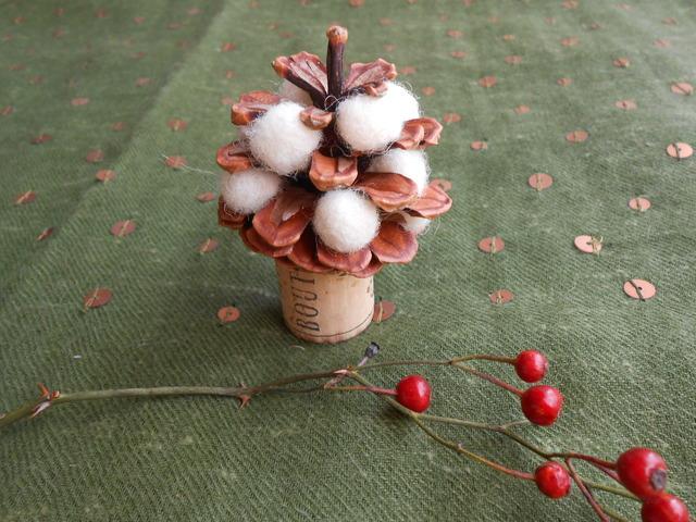 雪ん子松ぼっくりクリスマスツリー