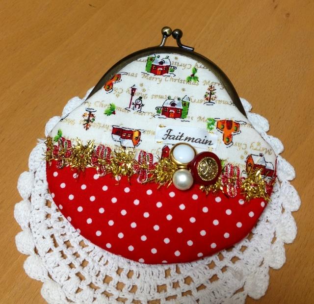 アンティークボタンとクリスマスの風景*丸型がま口