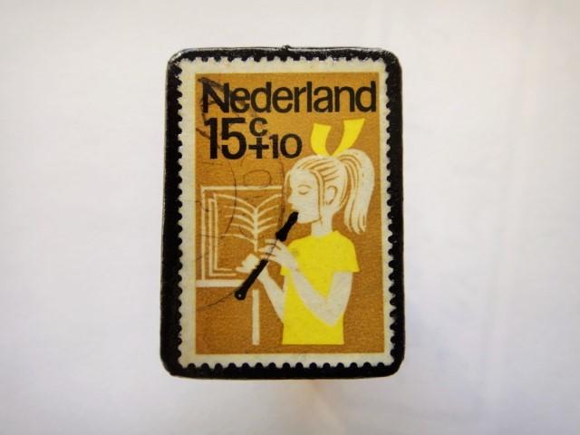 オランダ切手ブローチ444
