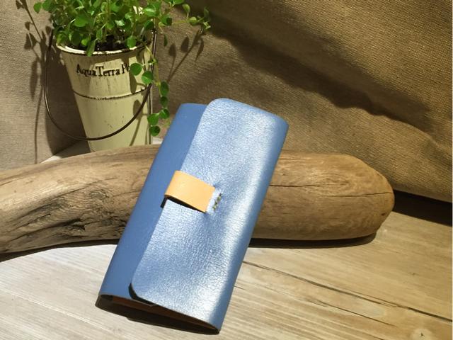 青空パールレザー 手縫いキーケース