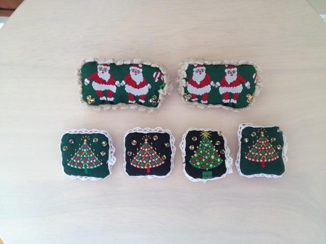 クリスマスツリーとサンタの小さなブローチ6種