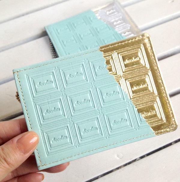 革のチョコミント・パスケース(金の包み紙)