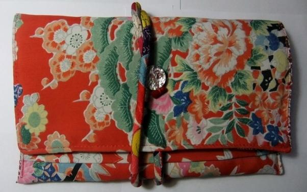 着物リメイク 女の子の着物で作った和風財布 889