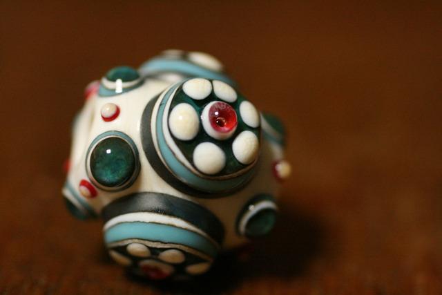 glass beads(とんぼ玉)戦国玉/白