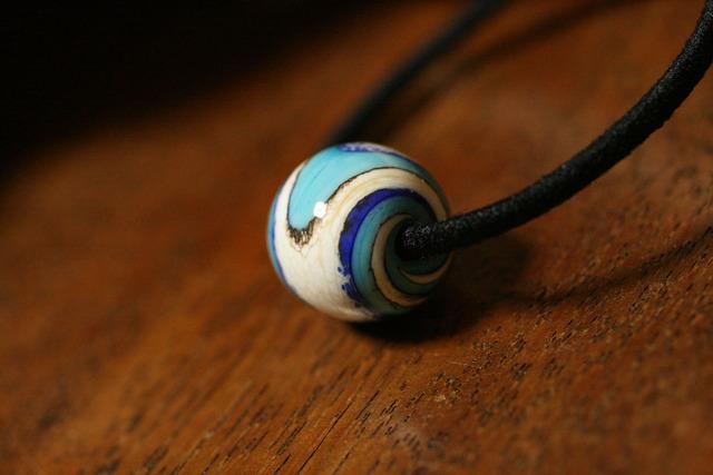 glass beads (とんぼ玉)髪留めゴム/流水