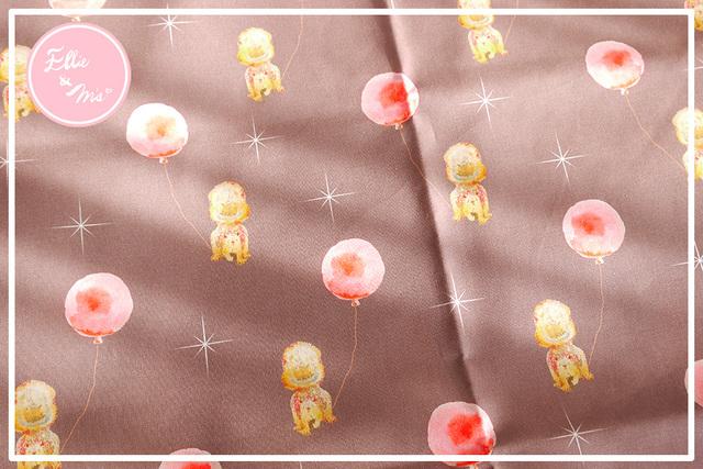 【Ellie&M's fabric】 リスさんの 風船見つけた!