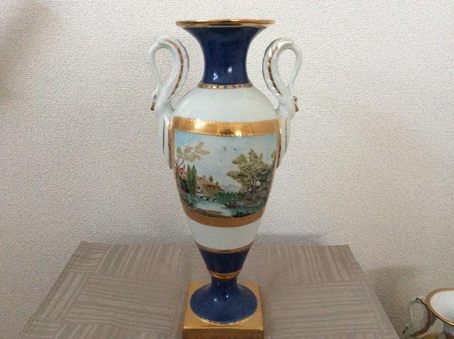 スワンの手付飾り壺(景色)
