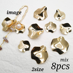 【chmm4165knz】【2size mix】【8個】 gold petal charm