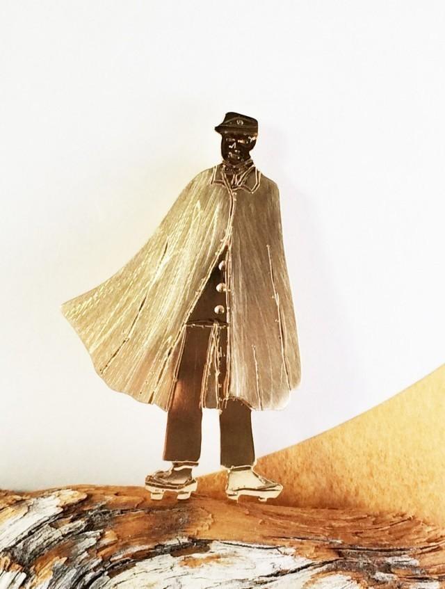 明治時代【学生】真鍮ブローチ