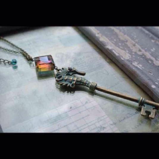 再販 夜の魔術部 アトランティスの鍵 ネックレス