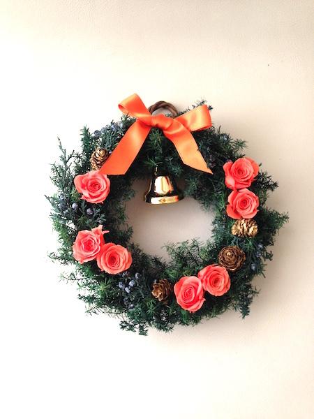 コーラルオレンジのクリスマスリース