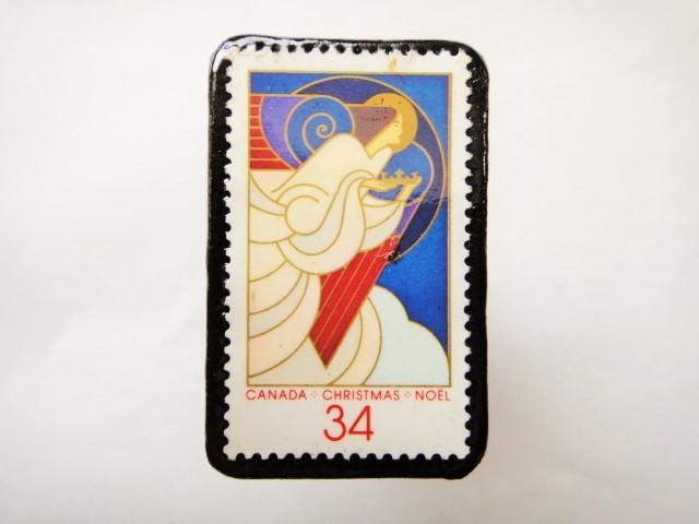 カナダ クリスマス切手ブローチ465