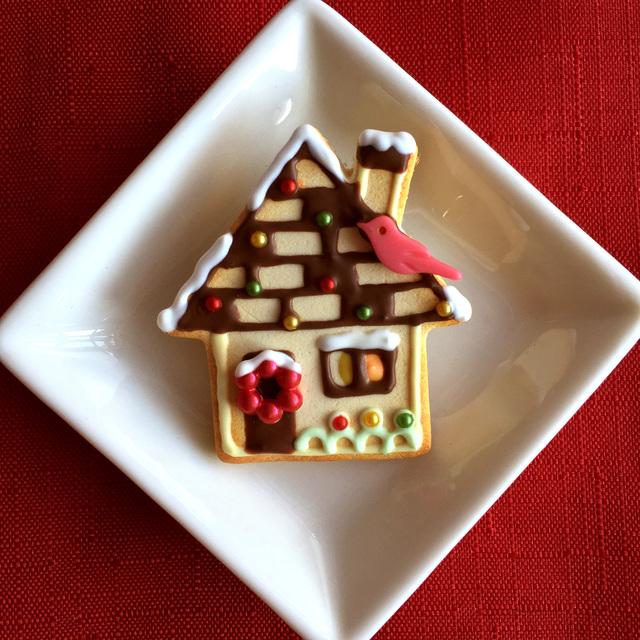 クリスマスのお家 クッキーのブローチ□赤いコトリ